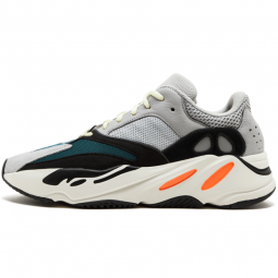 Yeezy 700 Wave Runner Solid...
