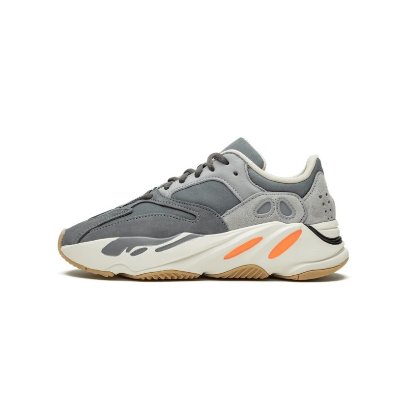 Yeezy 700 Magnet-FV9922-Limited Resell