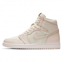 Air Jordan 1 Retro High Guava Ice--555088-801-Limited Resell